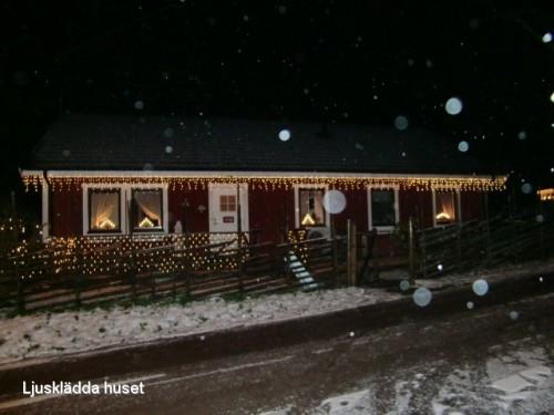 Vårt ljusklädda hus