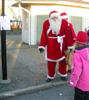 jultomtar på torget