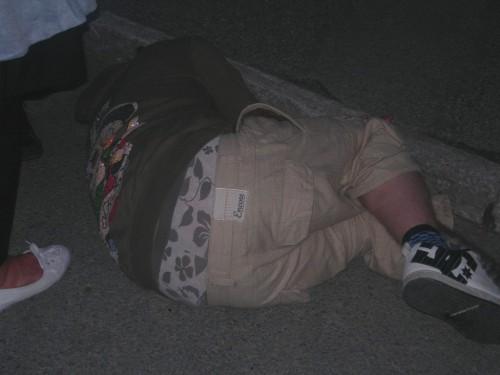 Full trött kille