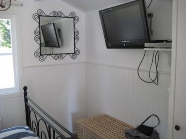 Sovrummet med tv, dock bara gratiskanalerna 1, 2, 4 och 6:an... =) Men vi kollade bara på tv när vi