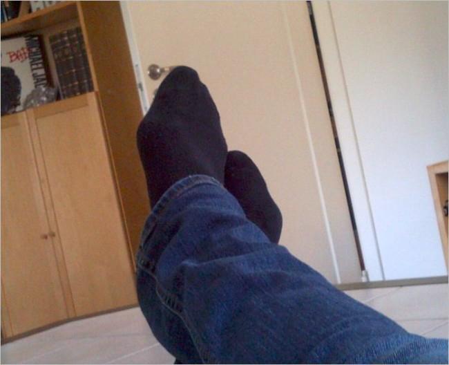 Fötterna på bordet