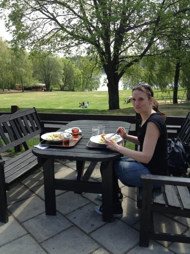 Jag äter lunch ute i det gröna