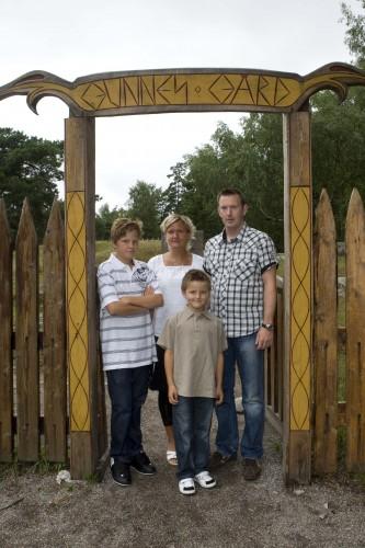 Brudens Kusin med Fru& söner...