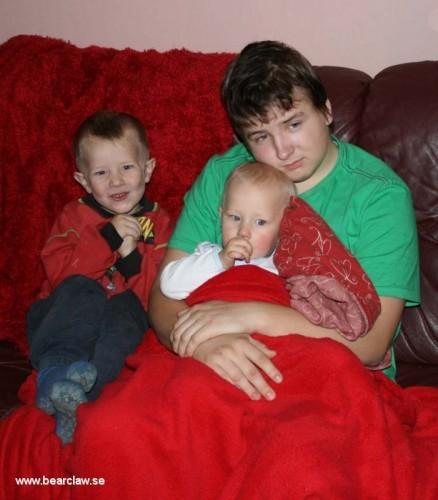 De minsta bara älskar sin storebror