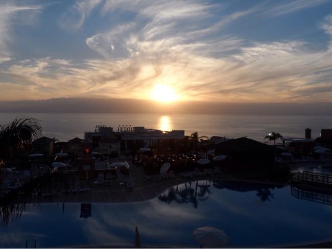 Solnedgång över Atlanten Los Gigantes Teneriffa